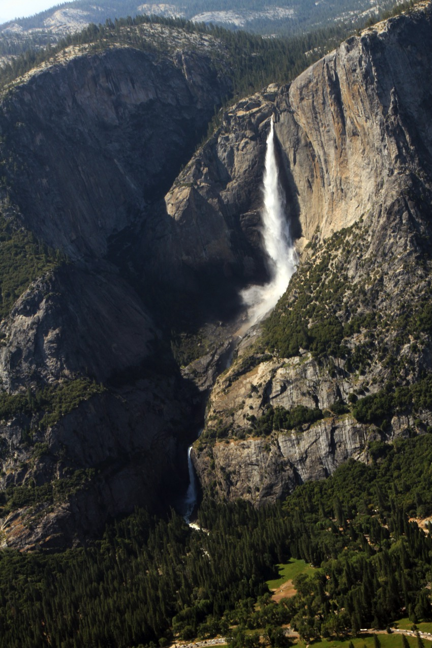 bridal falls from glacier point