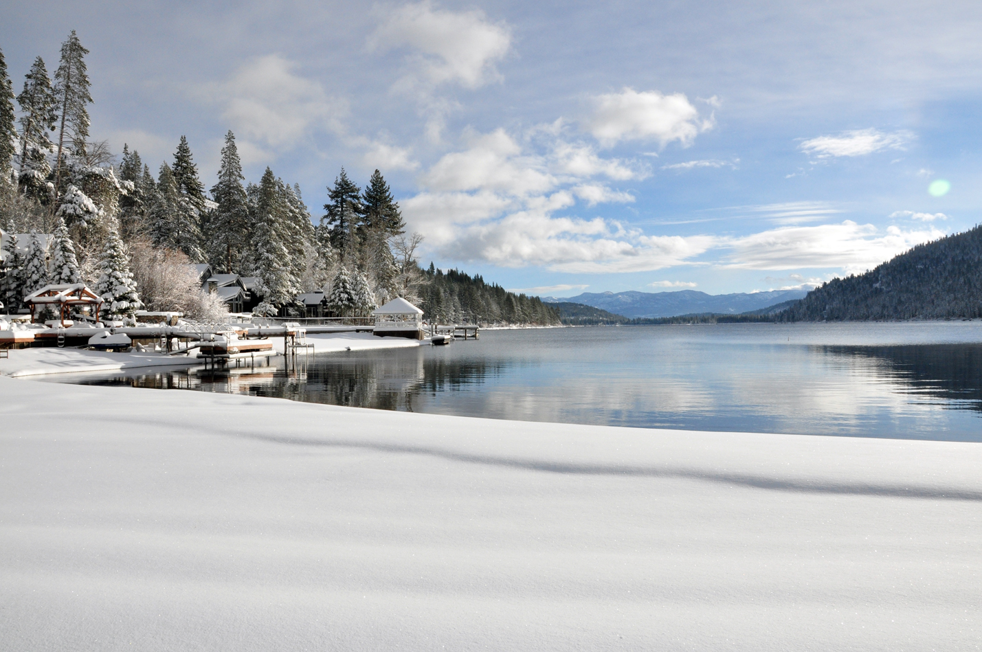 Snow cover Donner Lake