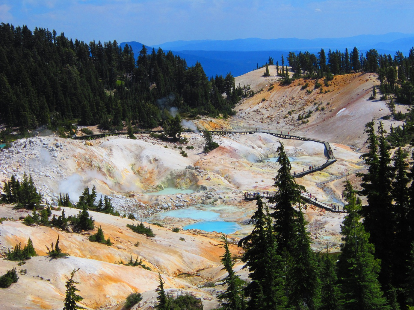 Hiking Bumpass Hell: Lassen Volcanic National Park