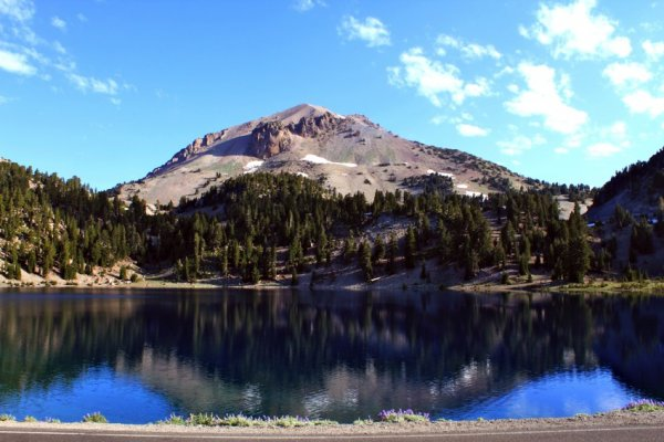 lassen-peak-from-lake-helen