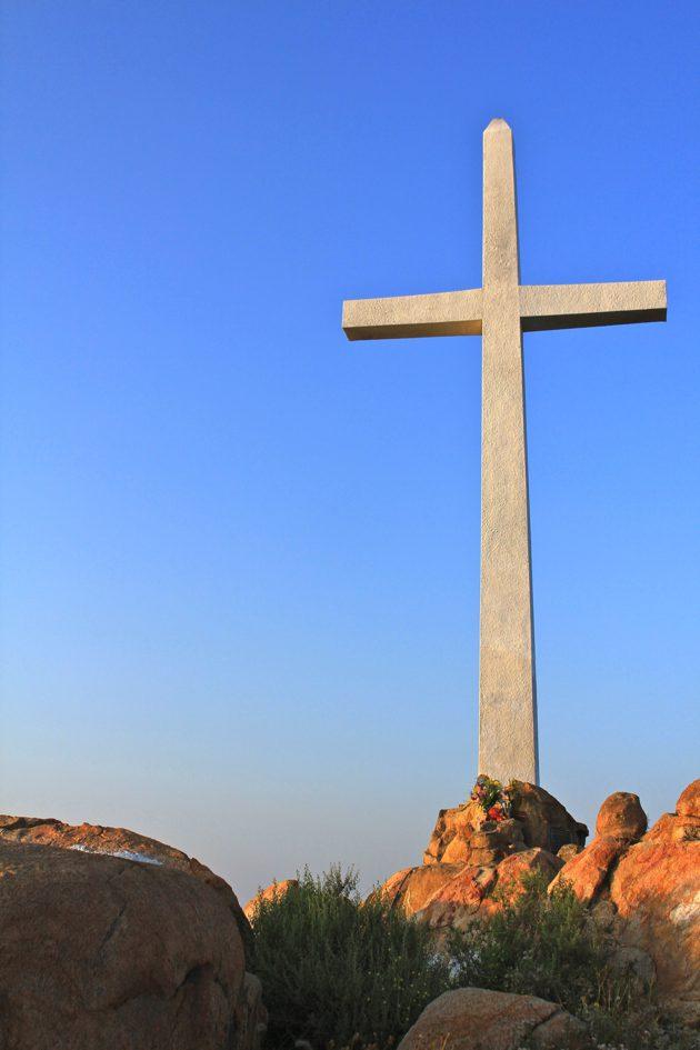 Summit cross on Mt Rubidoux