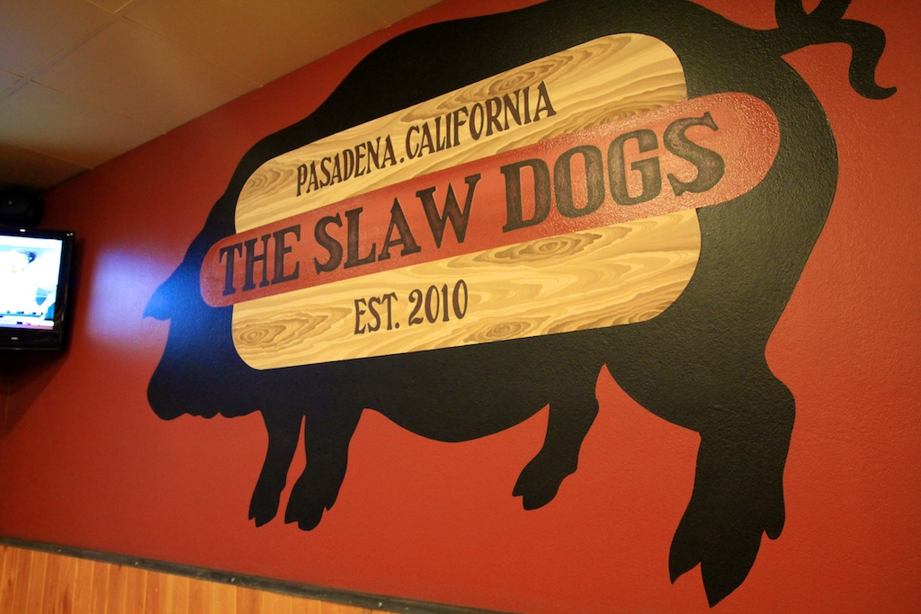 the slaw dog logo
