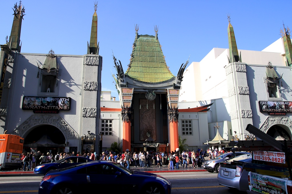 Grauman's Chinese Theater: Movies and Celebrity Footprints