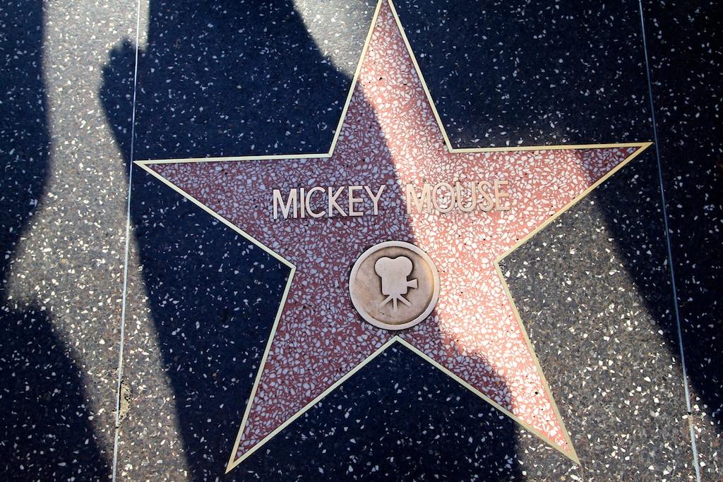 Celebrity movie sharing