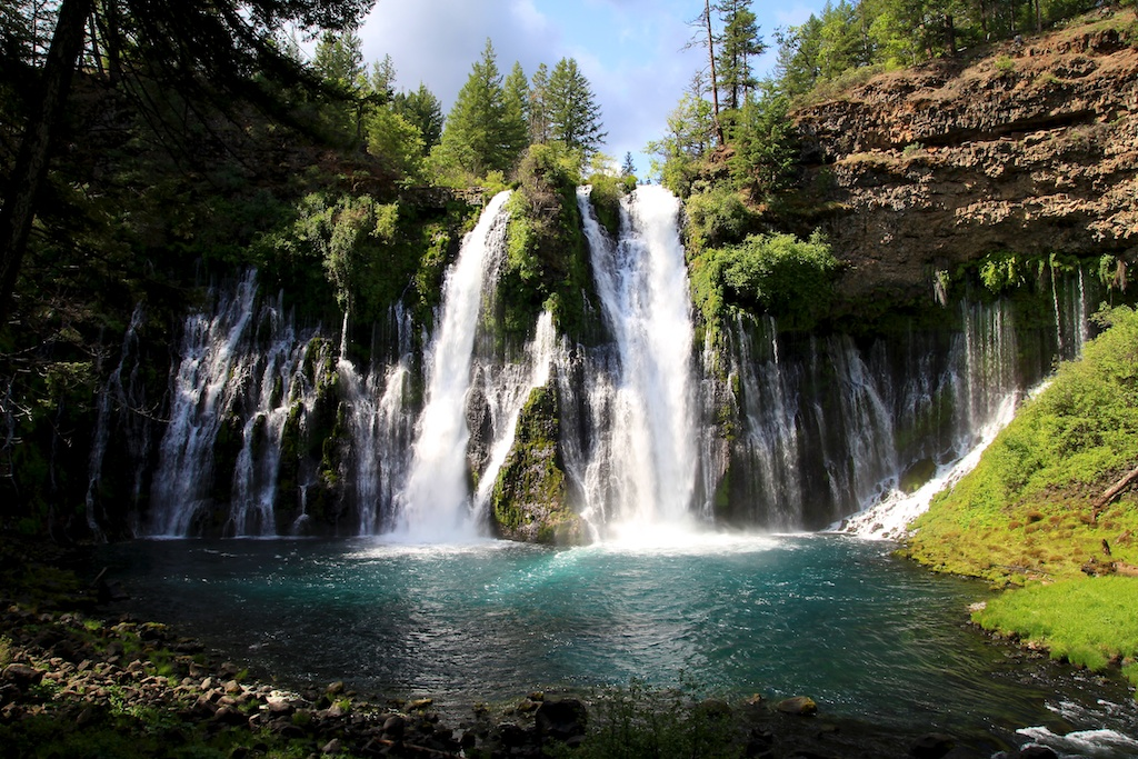 McArthurBurney Falls A Mesmerizing Waterfall In Northern - California waterfalls map