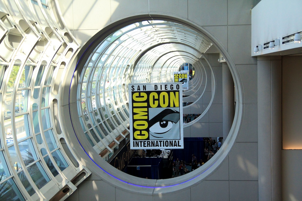 Comic Con 2012 in Photos: Costumes, Booths and Celebrities