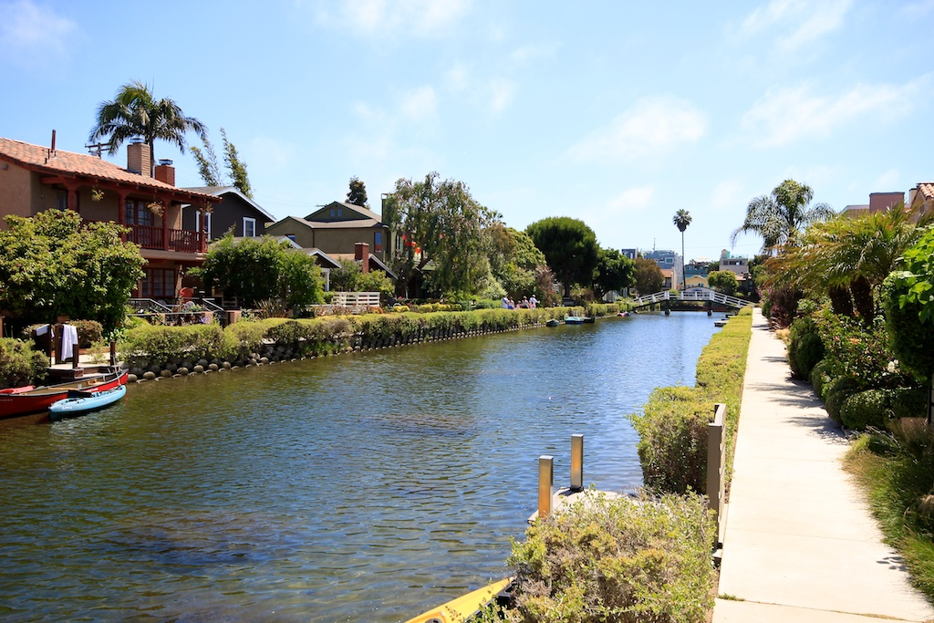 Venice Canals Walk Europe In Southern California