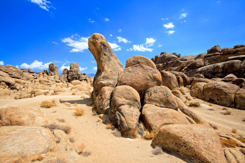 Alabama Hills: Movie Locations, Arches & Photography