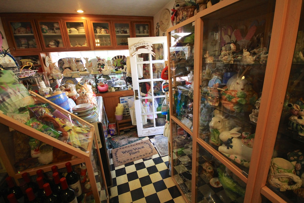 Bunny Museum of Pasadena: 29,000 Bunny Collectables