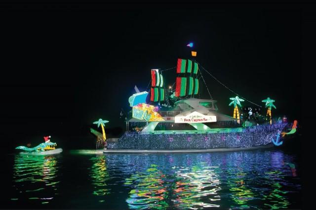 newport boat parade 640x426
