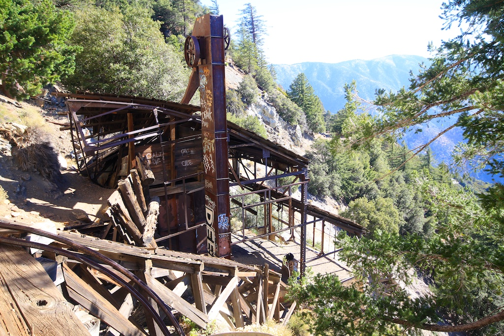 Big Horn Mine and Vincent Cabin Hike: Old Abandoned Mine