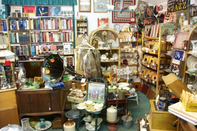 Antique Shop Idyllwild