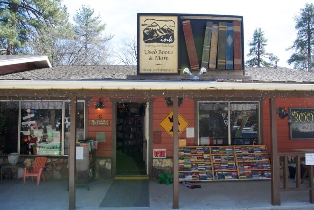 Idyllwild Book Store 640x428