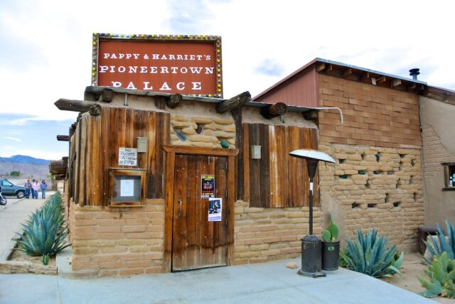 Pappy Harriets Pioneertown Outside