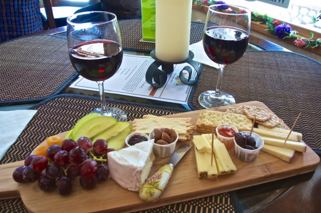 Wine and cheese plate 640x426