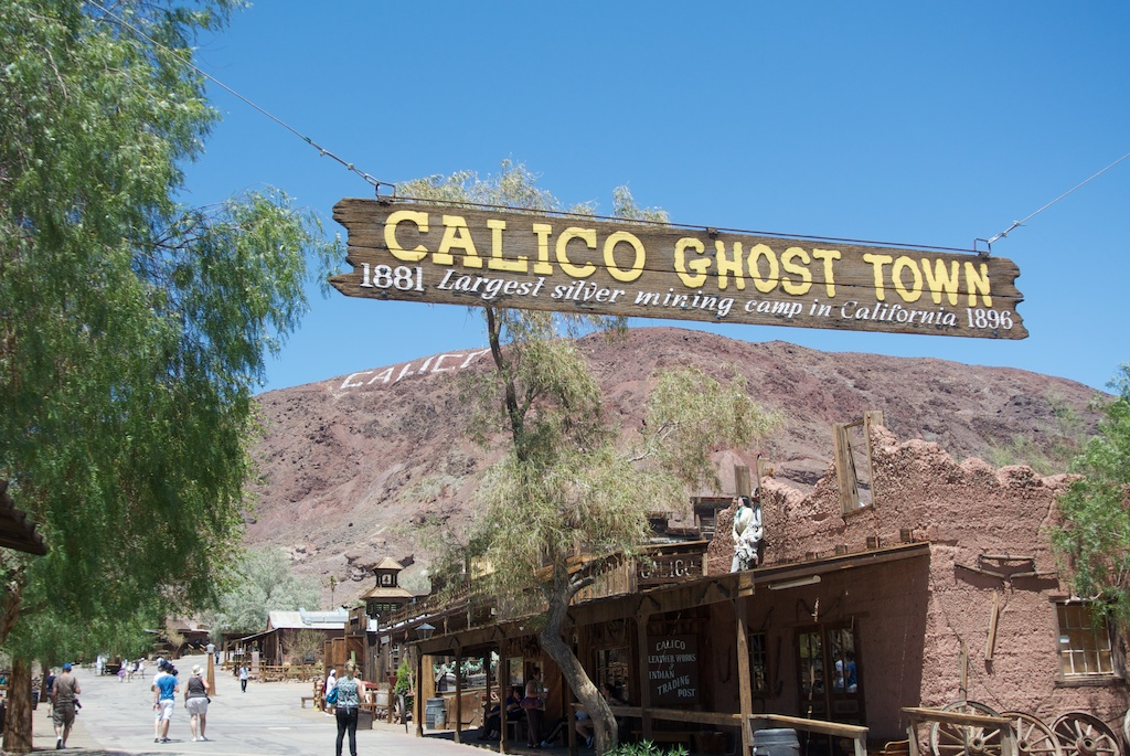 Calico Ghost Town: Old Mining Town in Yermo | California ...