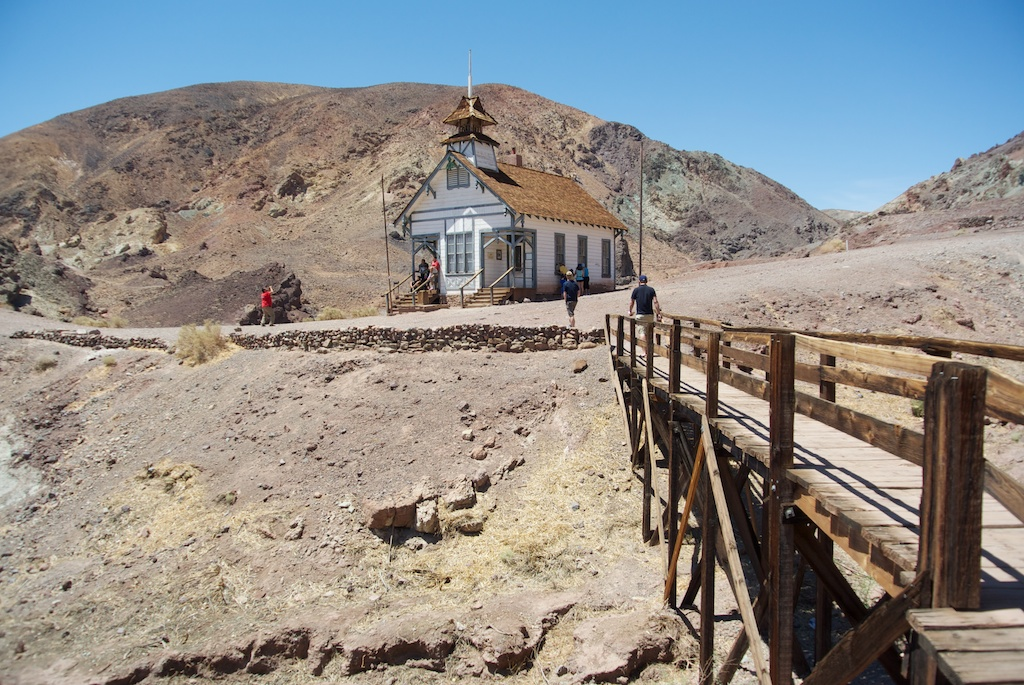 Calico Ghost Town: Old Mining Town in Yermo - California ...