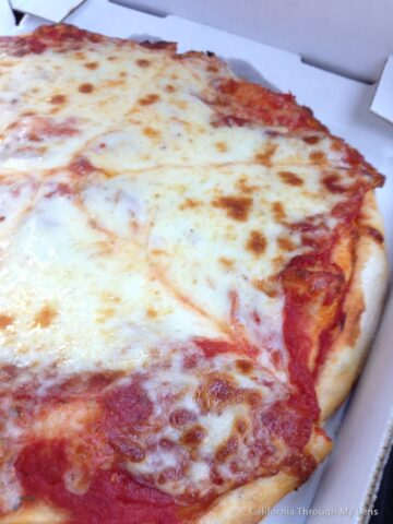 Filippis Pizza Grotto 1