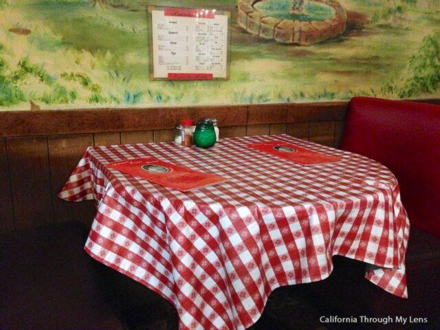 Filippis Pizza Grotto 4