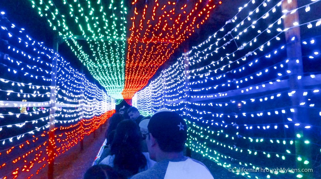 Griffith Park Trains: Holiday Light Festival Train Rides ...
